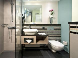 柏林中心紐倫堡皇冠假日飯店 柏林 - 衛浴間