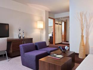 Estrel Hotel Берлін - Номер Люкс