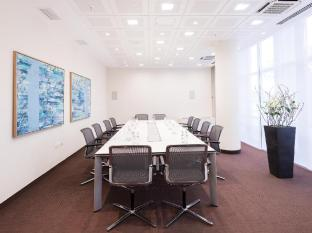 Estrel Hotel Berlin - Conference Room