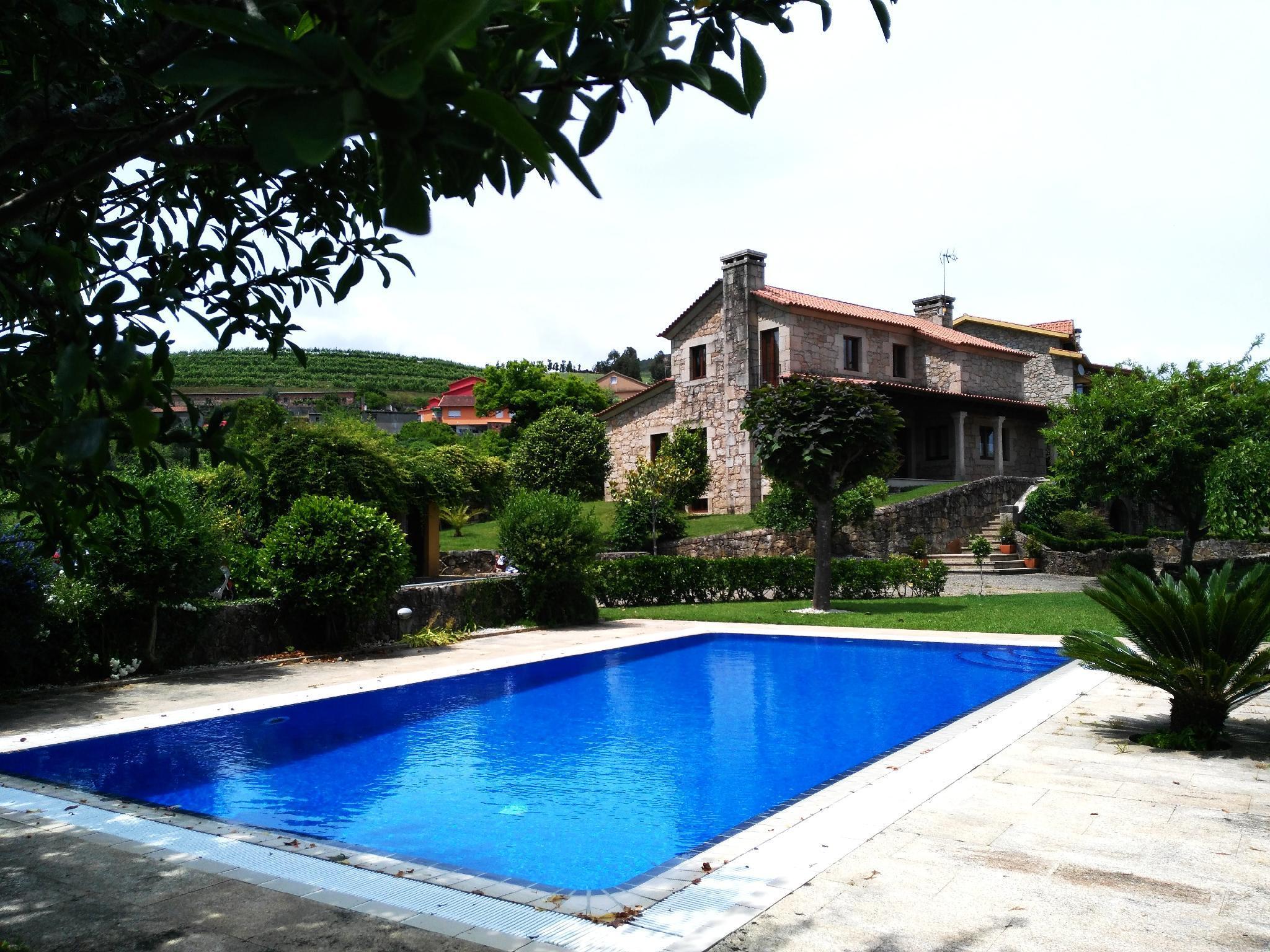 107949   Villa In Tomi�o