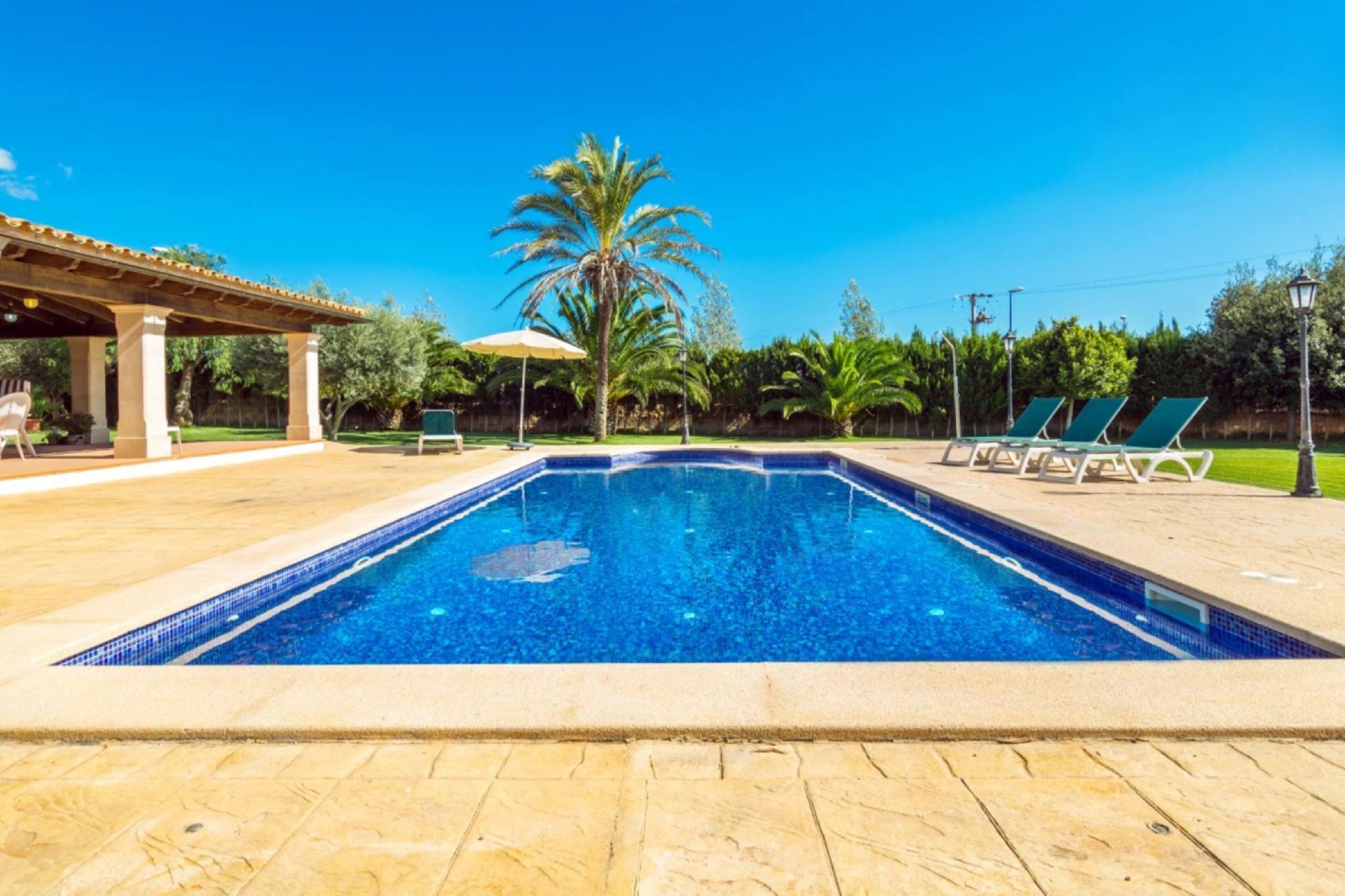 107688   Villa In Santany�