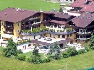 บรูจเกอร์ เจนิสเซอร์โฮเต็ล ลาเนอร์สบาเชอร์โฮฟ (Bruggers Geniesserhotel Lanersbacherhof)