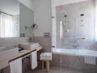 Hotel Bernini Bristol - Small Luxury Hotels of The World Rome - Bathroom