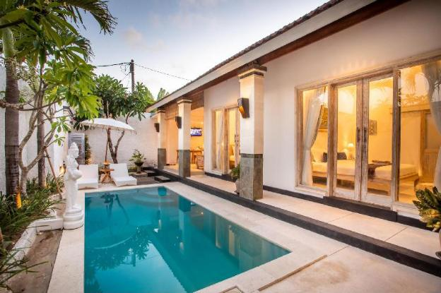 Bens Luxury 3 Bedroom Private Villa Central Kuta
