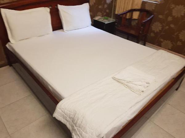 OYO 682 Long Son Hotel Ho Chi Minh City
