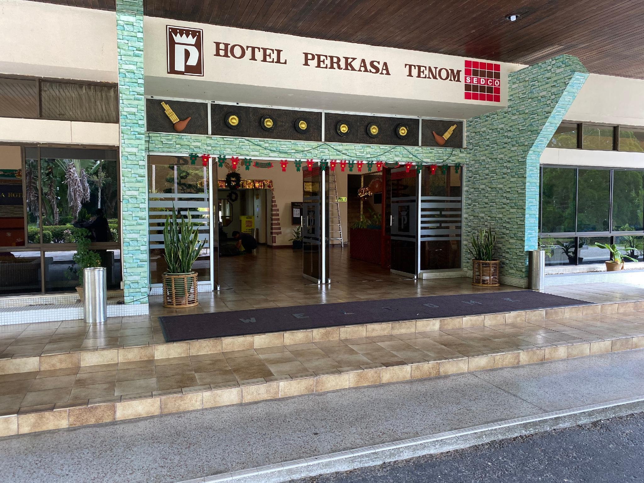 OYO 89692 Perkasa Hotel Tenomh