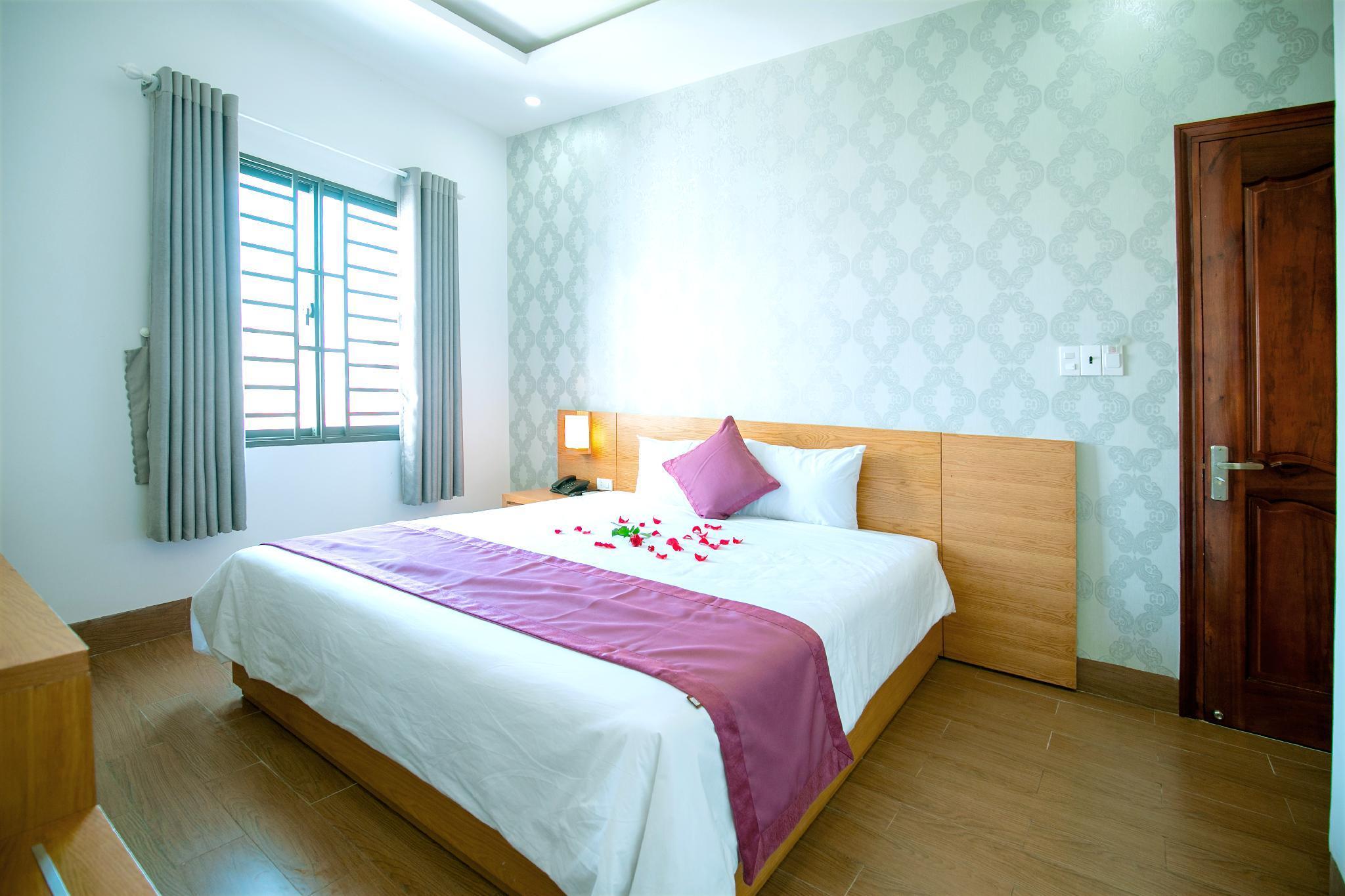 AHA Pho Ngoc Hotel