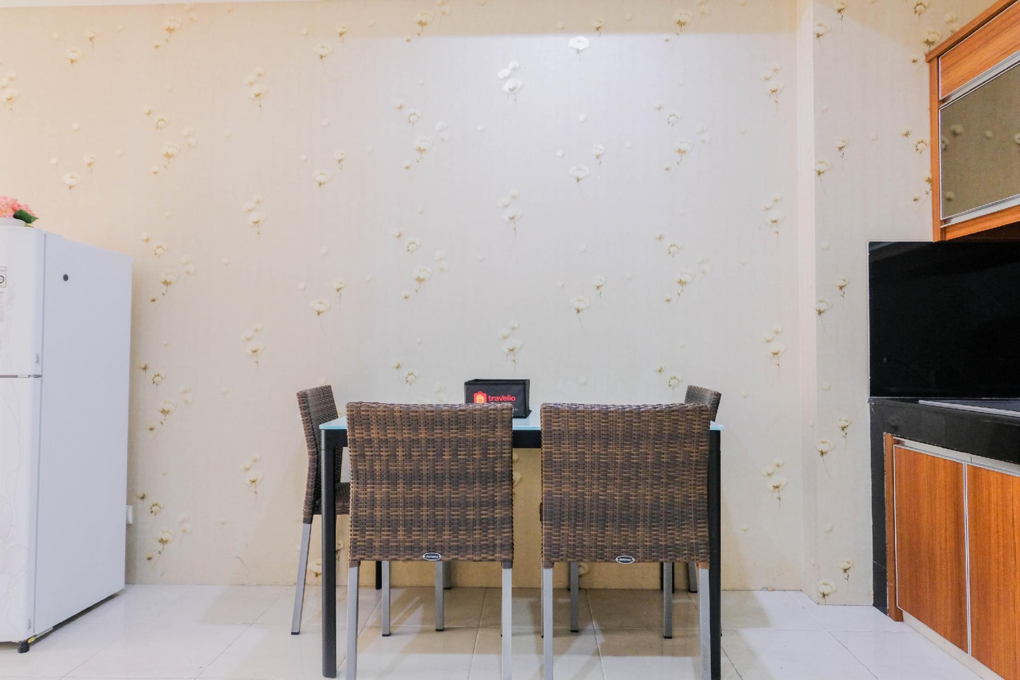 1BR Silkwood Apt Near Mall Alam Sutera By Travelio