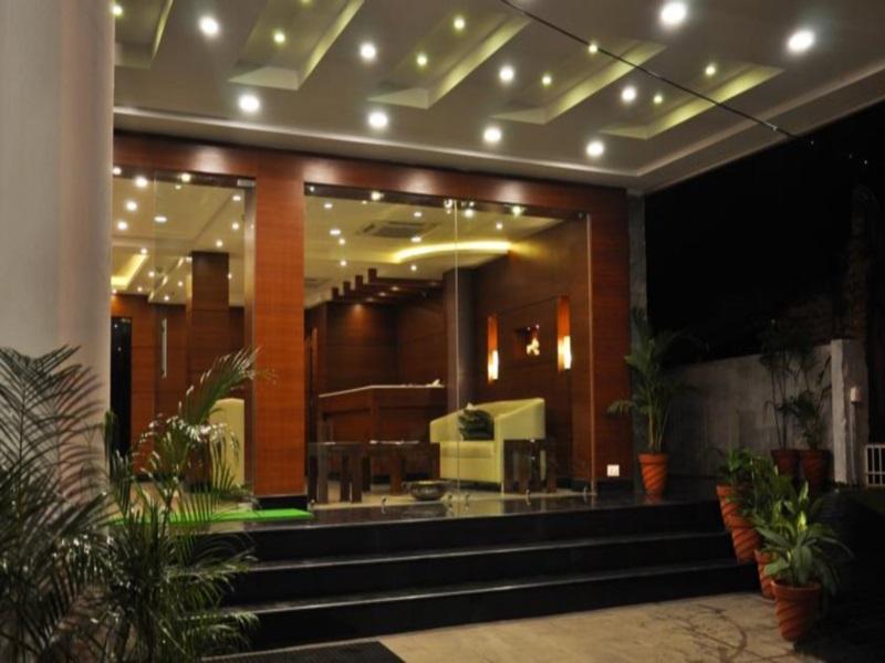 Hotel Treebo Golden Castle Reviews