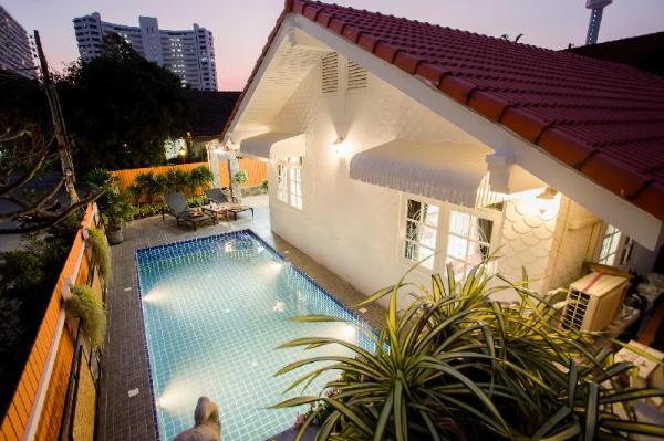 Grand Condo  Tulips pool villa 250meter from beach Pattaya