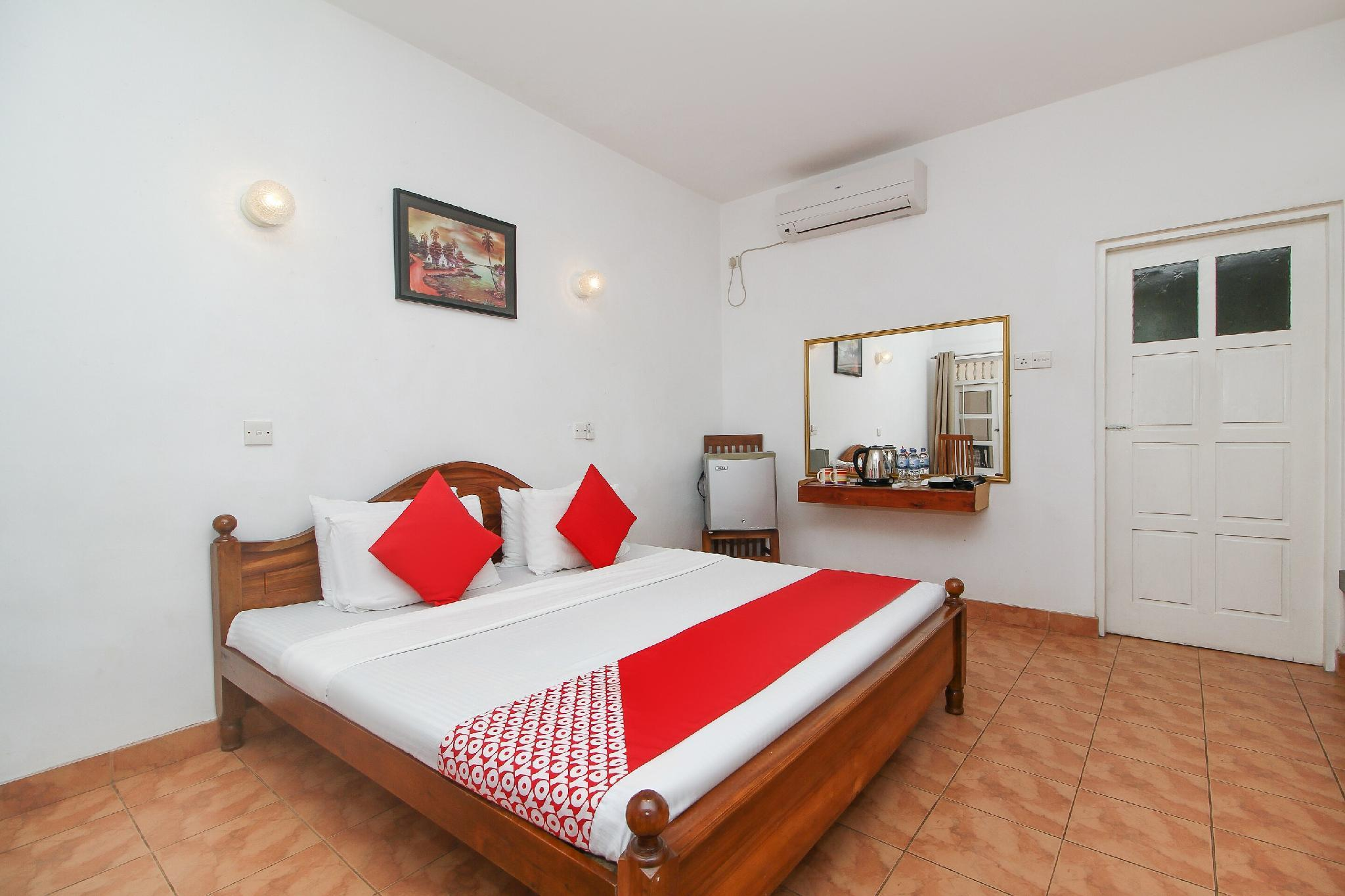 Capital O 470 J Leaf Hotel