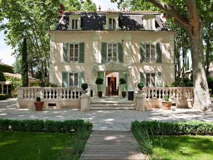 Hostellerie Les Fr�nes