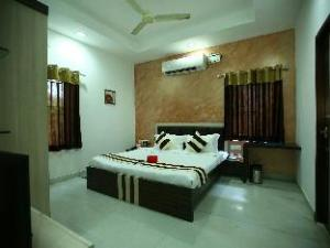 Green Tree Service Apartments - Velacherry