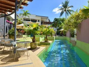 Seascape Holidays - The Peninsula Apartments