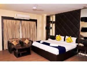 Vista Rooms near Rajpath Club