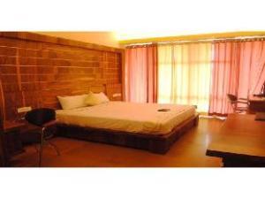 Vista Rooms near KGA Golf Course