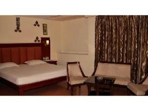 Vista Rooms @ Shiv Shakti Mall