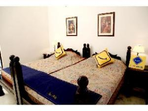 Vista Rooms @ Kalash Marg