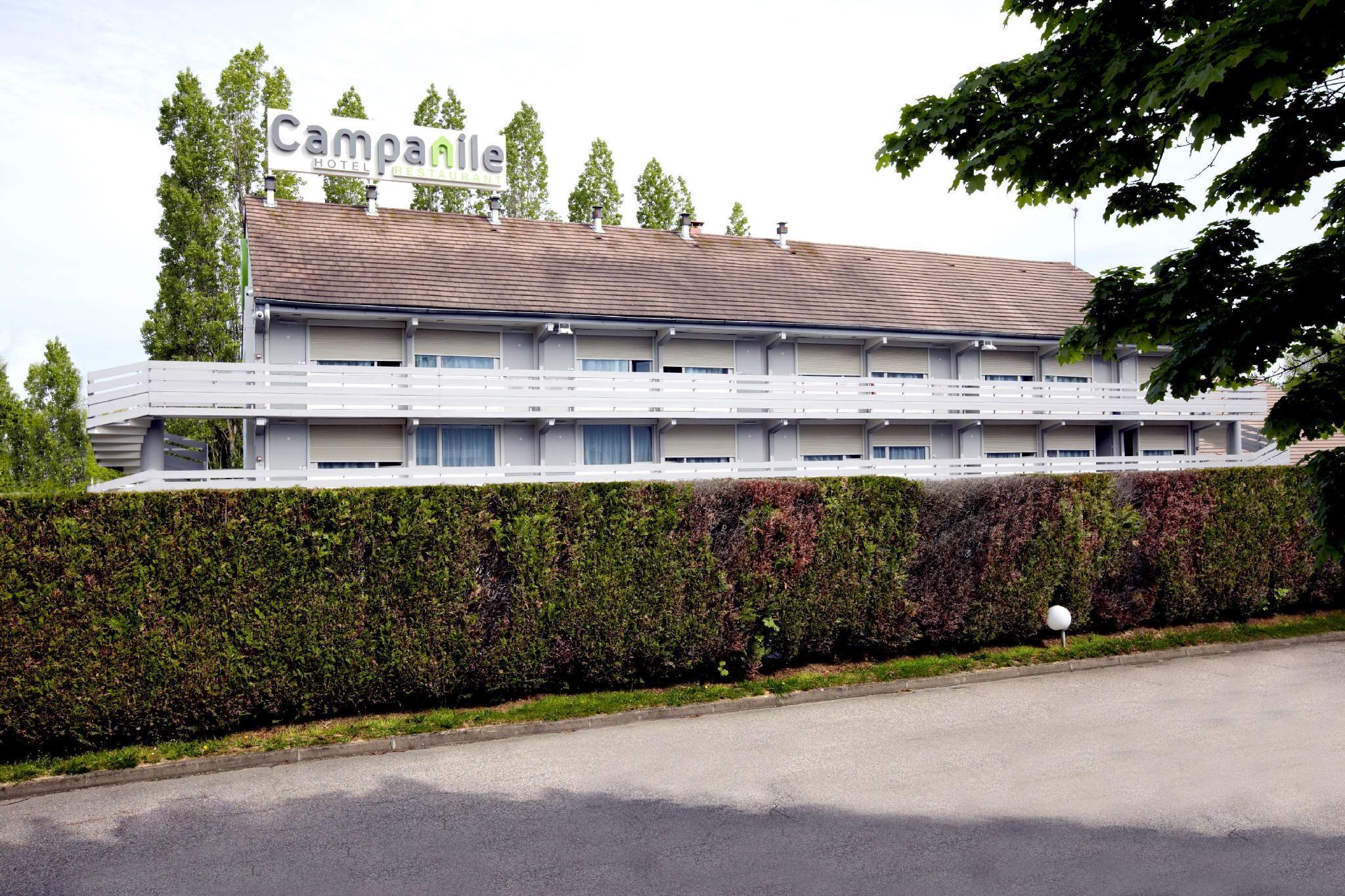 Campanile Les Ulis Hotel