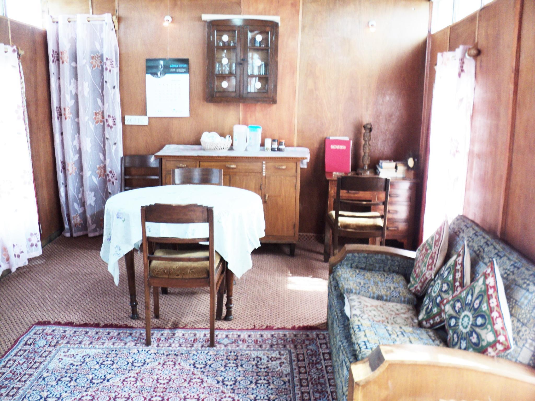 Price Houseboat Kohiisar