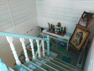 picture 5 of The Blue Apartelle