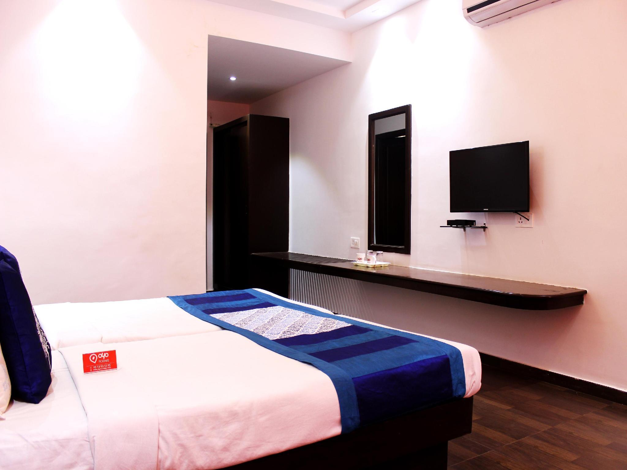 OYO Rooms Court Circler