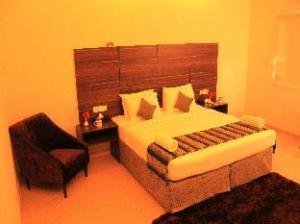 OYO Premium Mysore Hootagalli