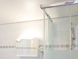 Hotel Amadeus am Kurfuerstendamm ברלין - חדר אמבטיה