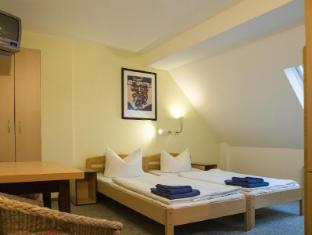 acama Hotel + Hostel Schöneberg Berlin - Guest Room