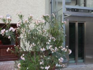 acama Hotel + Hostel Schöneberg Berlin - Balcony/Terrace