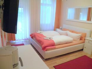 City Guesthouse Pension Berlin Berliin - Külalistetuba