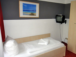 Academy Hotel Берлин - Стая за гости