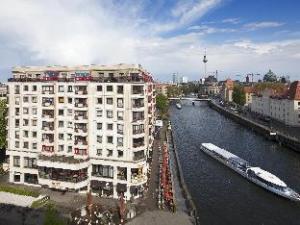O hotelu Riverside City Hotel & Spa (Riverside City Hotel & Spa)