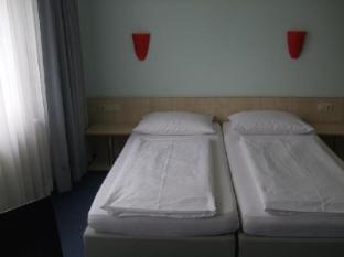 enjoy hotel Berlin City Messe Berlin - Guest Room