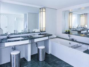 The Mandala Hotel Berlin - Bathroom