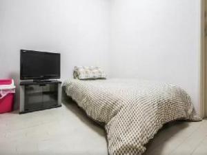 Wabisaby 2 Bedroom Apartment in Higashi Shinjuku