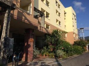Benjamart Apartment