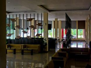 De Resort Hotel and Convention