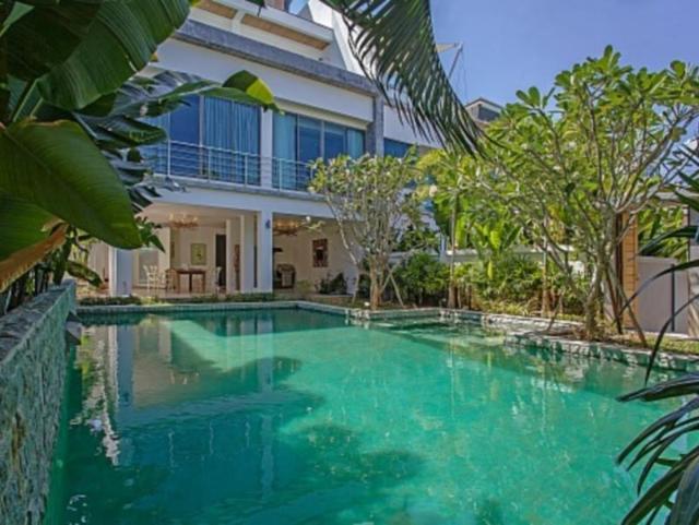 Romantic Sea View Villa – Romantic Sea View Villa