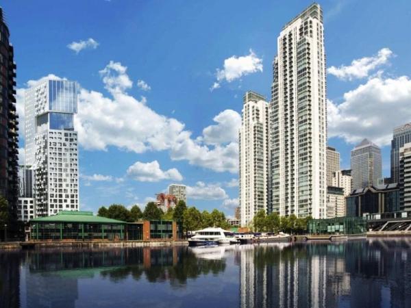 Lincoln Plaza Apartment London