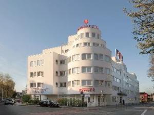 โรงแรมรามาดา ดาร์มชตัดท์ (Ramada Hotel Darmstadt)