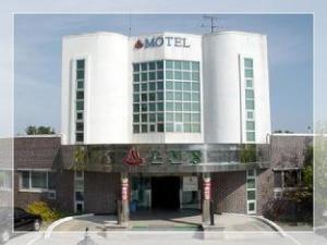Gangneung Guramy Spa Motel