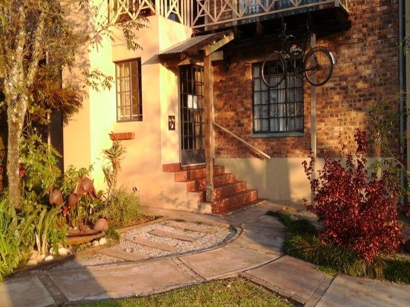 Autumn Breeze Manor And Lodge BandB