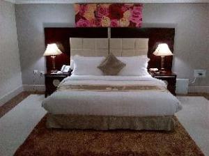 Grandbee Suites