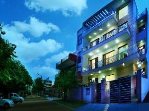 Perch Grove- Service Apartment