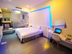 Starship Business Hotel