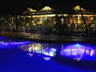 Green Island Resort Cairns - Emeralds Restaurant at night