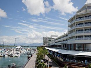 Shangri-la Hotel, The Marina Cairns Cairns - View of Marina
