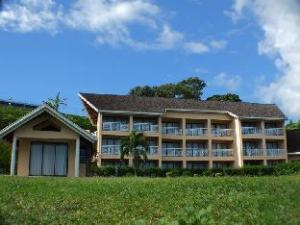 โรงแรมติกิ - ฮอสพิทาลิตี้ สคูล ออฟ ตาฮิติ (Tiki Hotel - Hospitality School of Tahiti)