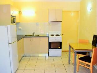 Coconut Grove Holiday Apartments Darwin - King Deluxe 1 Bedroom Apt
